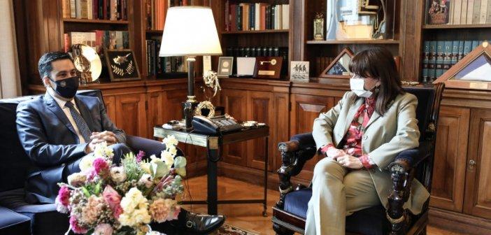 Επίτιμη Δημότισσα Αγρινίου προτείνεται να ανακηρυχθεί η Πρόεδρος της Δημοκρατίας