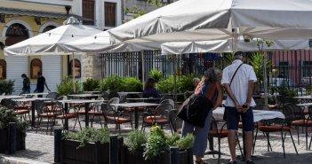 Γεωργιάδης: Πώς θα λειτουργήσει η εστίαση – Σε εξωτερικούς χώρους και με τα μέτρα που ίσχυαν και πέρυσι