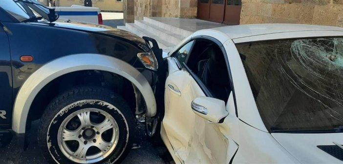 Ρόδος: Υπαστυνόμος κατέστρεψε με βαριοπούλα το αυτοκίνητο του Αστυνομικού Διευθυντή (εικόνες)