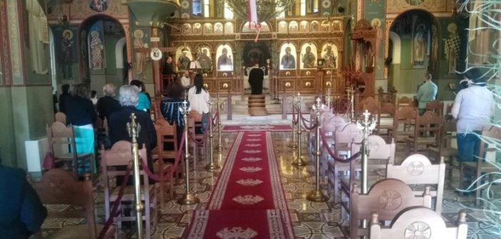 Φωτορεπορτάζ: Υποδειγματική η απογευματινή προσέλευση των πιστών στους Ι.Ν. του Αγ. Χριστοφόρου