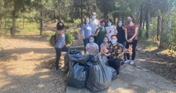 Save Your Hood: Η εθελοντική ομάδα που μάζεψε 660 λίτρα σκουπιδιών στο αλσύλλιο του Αγ. Χριστοφόρου