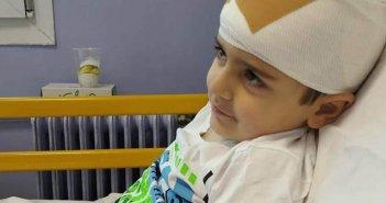 Λευκάδα: Ο μικρός Άγγελος Ρεκατσίνας μόλις 5 ετών διαγνώστηκε με όγκο στον εγκέφαλο – Μπορούμε όλοι να τον στηρίξουμε