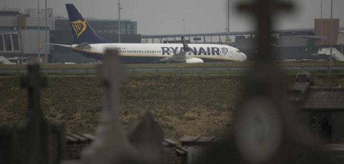 Θρίλερ σε πτήση Αθήνα – Βίλνιους: Αναγκαστική προσγείωση για σύλληψη μπλόγκερ από τη Λευκορωσία