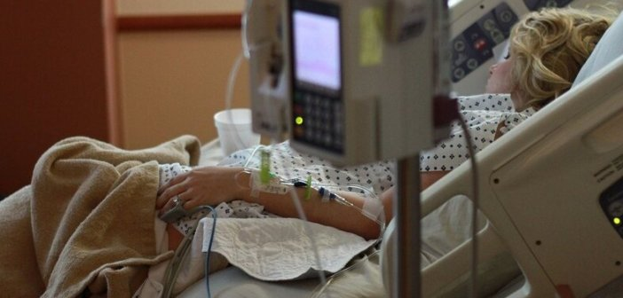 Δυτική Ελλάδα: Μάχη στην εντατική για 34χρονη που είχε εμβολιαστεί με Astrazeneca