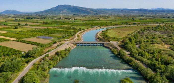 Καλύβια: Κοιτώντας από ψηλά τον Αχελώο