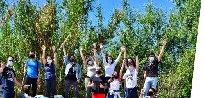 Τριχωνίδα: Προσπαθούν οι εθελοντές, δε βάζουν μυαλό όσοι πετούν σκουπίδια και μπάζα