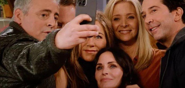 Τα Φιλαράκια: Το reunion έκανε πρεμιέρα και το Twitter υποκλίθηκε – Ζαλίζουν οι αμοιβές των πρωταγωνιστών
