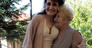 Υιοθετήθηκε παράνομα πριν από 60 χρόνια, έζησε στην Αμερική και βρήκε τη μητέρα της στην ορεινή Ναυπακτία