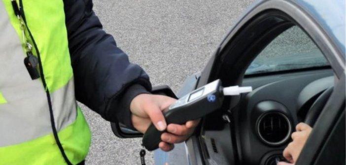 Αγρίνιο: Μεθυσμένος ο οδηγός που έπεσε σε παρκαρισμένα αυτοκίνητα και κάδους απορριμμάτων