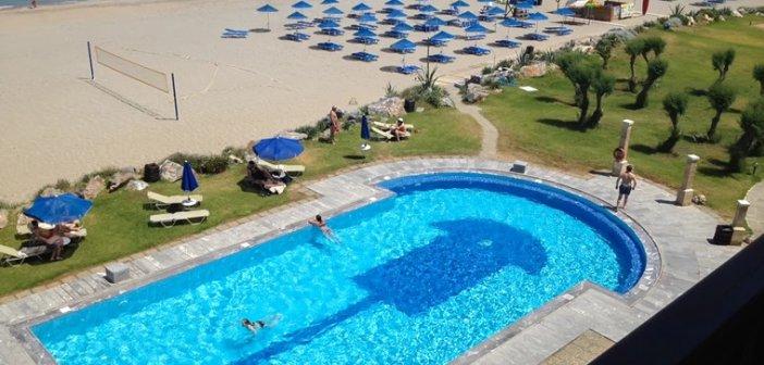 Κοινωνικός Τουρισμός: 300.000 πολίτες θα πάνε δωρεάν διακοπές φέτος- Ακόμα και σε 5άστερα ξενοδοχεία