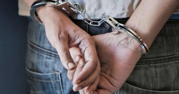 Αγρίνιο: Είχε μαζί του ξύλινο γκλοπ και συνελήφθη