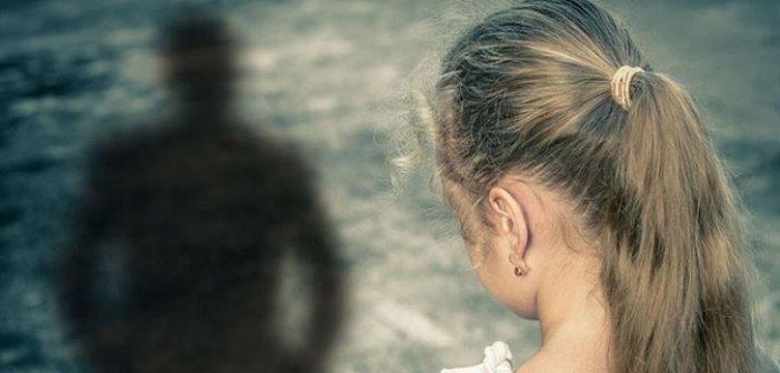 Ένα ενήλικο πια παιδί που βίωσε την κακοποίηση μιλάει για την υποχρεωτική συνεπιμέλεια