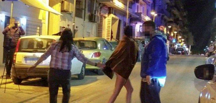 Θεσσαλονίκη: Γυναίκα έμεινε γυμνή στη μέση του δρόμου