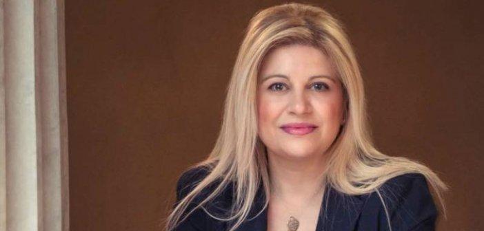 """Τόνια Αράχωβα: Η πρώτη Ελληνίδα πρόεδρος της Διεθνούς Ομοσπονδίας Βιβλιοθηκονόμων (IFLA) στον """"Δυτικά Fm 92,8"""""""