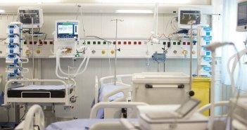 «Μύθος οι ελλείψεις» – Τι λέει για τη ΜΕΘ του Νοσοκομείου Αγρινίου ο νομικός σύμβουλος της 6ης ΥΠΕ Φ. Λεπίδας