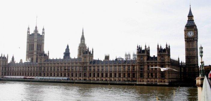 Νέο μπλόκο από την Βρετανία στην Ελλάδα – Δεν θα είναι στην πράσινη λίστα