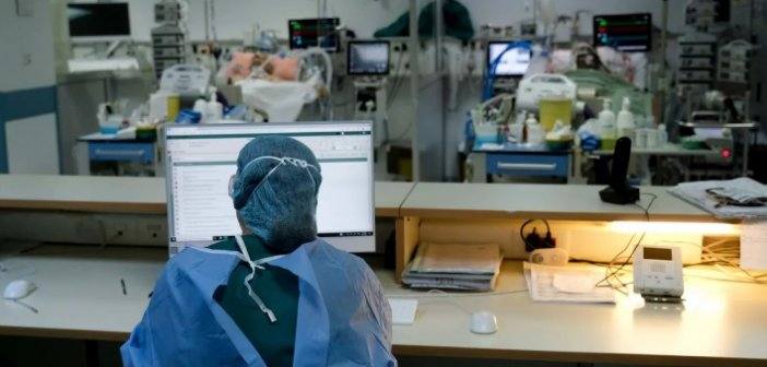 Έντονη ανησυχία για τη μετάλλαξη «Δέλτα»: Κίνδυνος για τους ανεμβολίαστους, φόβοι για επικράτησή της μέσα στο καλοκαίρι