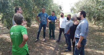 Καταστροφές από το χαλάζι σε Νεοχώρι και Μεγάλη Χώρα – Επί τόπου συνεργάτες του Λιβανού