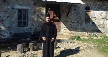 Μονή Πετράκη: Αυτός είναι ο ιερέας που επιτέθηκε με καυστικό υγρό στους Μητροπολίτες