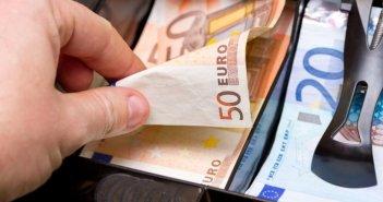 Ναύπακτος: Ανήλικοι αφαίρεσαν 500 ευρώ από αρτοποιείο – Σύλληψη γονέα