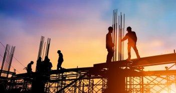 Κλιμακώνει τις κινητοποιήσεις για τα εργασιακά η Ένωση Οικοδόμων Αιτωλοακαρνανίας