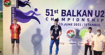 Στο ψηλότερο σκαλί του βάθρου ο Αγρινιώτης Νίκος Σταμούλης – Χρυσό στα 5 χλμ. στο Βαλκανικό Πρωτάθλημα (video)
