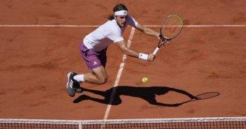 """Στέφανος Τσιτσιπάς: """"Έπεσε"""" ηρωικά μαχόμενος στον τελικό του Roland Garros"""