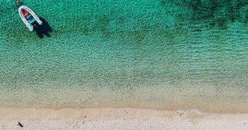Βαθυαβάλι: Η παραλία της Αιτωλοακαρνανίας που θυμίζει εξωτικό νησί (VIDEO)