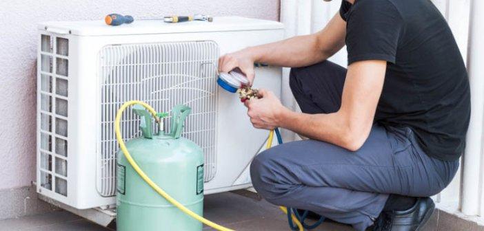«Κύμα» συντηρήσεων και τοποθετήσεων κλιματιστικών – Πλημμελής συντήρηση, καύσωνας και… πανδημία