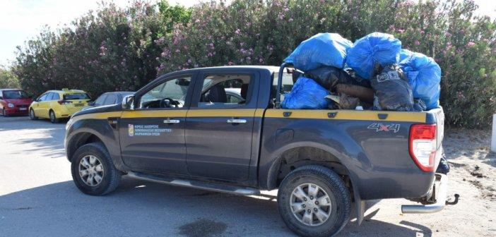 Χιλιάδες λίτρα σκουπιδιών συγκέντρωσαν εθελοντές στην παραλία του Λούρου