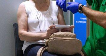 Βασίλης Κικίλιας: Μπόνους σε γιατρούς και φαρμακοποιούς για τον εμβολιασμό – Τα ποσά