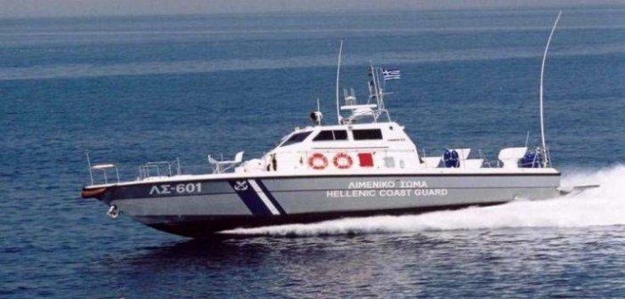 Με σκάφος του λιμενικού θα φύγουν άτομα από Long Beach στο Αίγιο