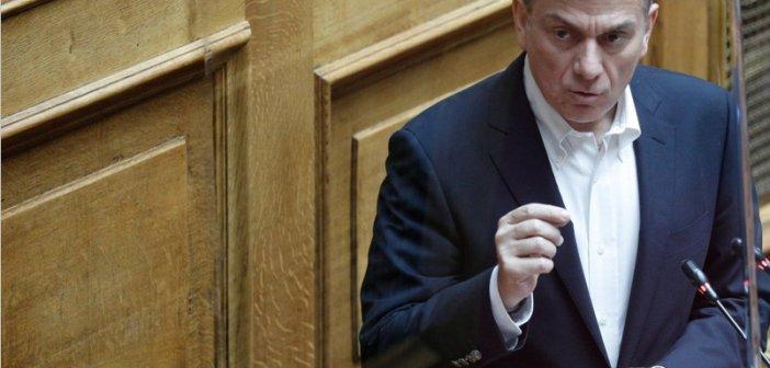 Θάνος Μωραΐτης: «Η κυβέρνηση προκλητική και κυνική τσακίζει τα νέα παιδιά και τα όνειρά τους»