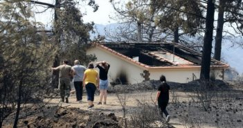 Φονική πυρκαγιά στην Κύπρο: Η φωτογραφία που κάνει τον γύρο του κόσμου – Μια συγκλονιστική μαρτυρία