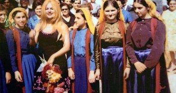 Το τάμα της Αλίκης Βουγιουκλάκη στον Ναό του Αγίου Νικολάου στον Πλάτανο Ναυπακτίας