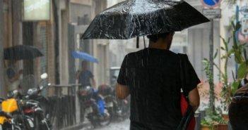 Μικρή άνοδος του υδράργυρου αλλά τοπικές βροχές στα ηπειρωτικά