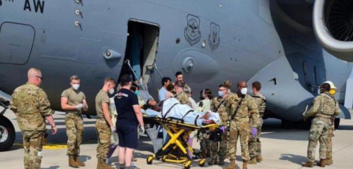 Συγκλονιστικό: Αφγανή γέννησε μέσα σε αμερικανικό αεροσκάφος, κατά τη διάρκεια της επιχείρησης απομάκρυνσής της από το Αφγανιστάν