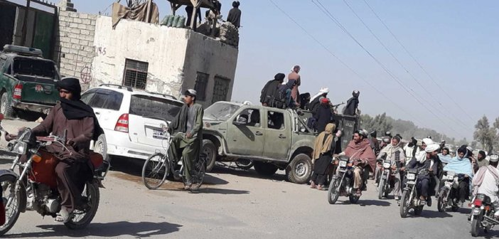 Al Arabiya: Παραιτείται η κυβέρνηση του Αφγανιστάν – Αναλαμβάνουν την εξουσία οι Ταλιμπάν