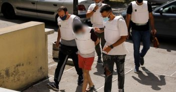 Έγκλημα στην Δάφνη: Εισαγγελική έρευνα για τους δύο αστυνομικούς που αγνόησαν τις καταγγελίες