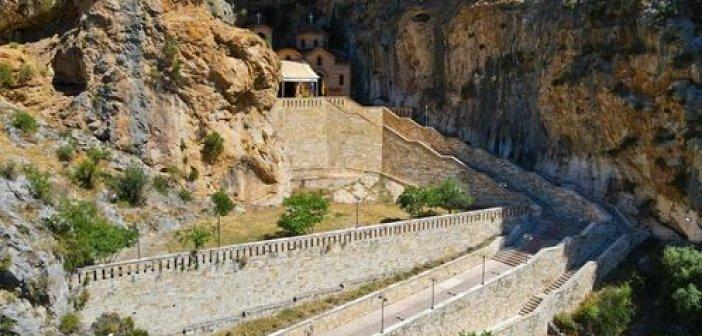 Κλεισούρα Αιτωλοακαρνανίας: Το γραφικό εκκλησάκι της Αγίας Ελεούσας στο βράχο (video)