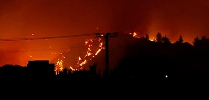 Αττική: Η φωτιά πέρασε την Εθνική Οδό και πλησιάζει Άγιο Στέφανο – Στην εντατική δυο εθελοντές δασοπυροσβέστες