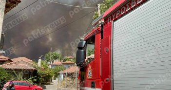 Στις φλόγες η Ηλεία: Εκκενώνoνται περιοχές – Προς Ολυμπία η φωτιά