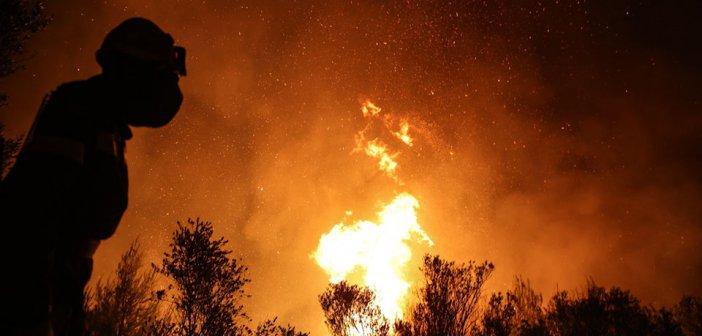 Φωτιά Βαρυμπόμπη: Μαίνεται η κόντρα για το πώς ξεκίνησε η πυρκαγιά