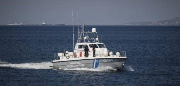 """Ιόνιο – Ζάκυνθος:  """"Ξέμειναν"""" μεσοπέλαγα με το σκάφος – Τους περισυνέλεξε το Λιμενικό"""