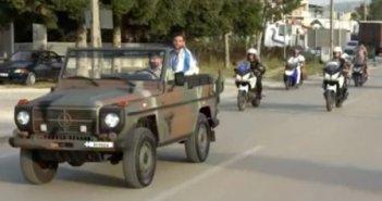 Υποδοχή ήρωα για τον «χρυσό» Στέφανο Ντούσκο στα Γιάννενα – Τον μετέφεραν με στρατιωτικό τζιπ