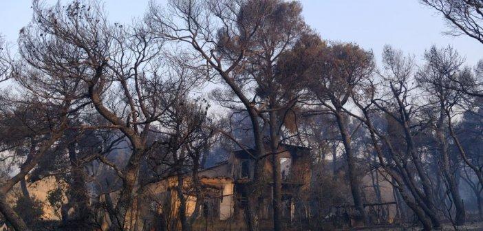 Φωτιά στην Αττική – Συγκλονίζει ο πατέρας των εθελοντών που διασωληνώθηκαν στο ΚΑΤ