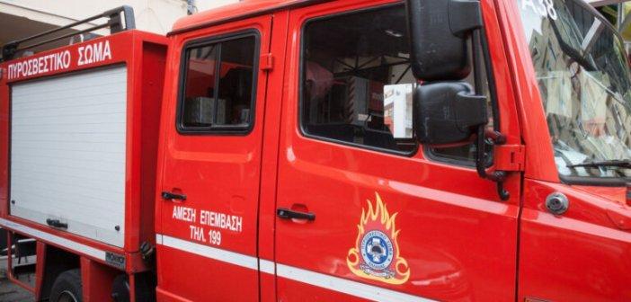 Παναιτώλιο: Στις φλόγες τυλίχθηκε φανοποιείο