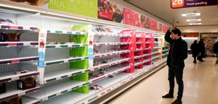 Βρετανία: Έβρισε πελάτες, μπήκε σε τρία σούπερ μάρκετ κι έβαλε βελόνες σε τρόφιμα