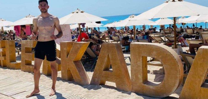 Λευκάδα: Ο Μίλτος Τεντόγλου κάνει διακοπές στο νησί