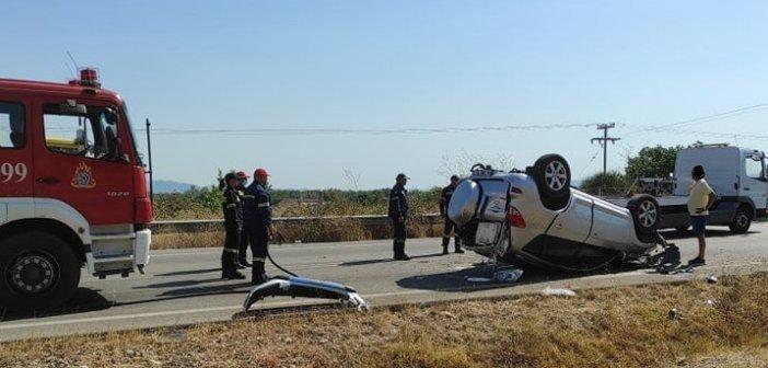 Στράτος Αιτωλοακαρνανίας: Ανατράπηκε αυτοκίνητο στην Αγρινίου – Αμφιλοχίας – Ένα άτομα στο Νοσοκομείο (εικόνες)